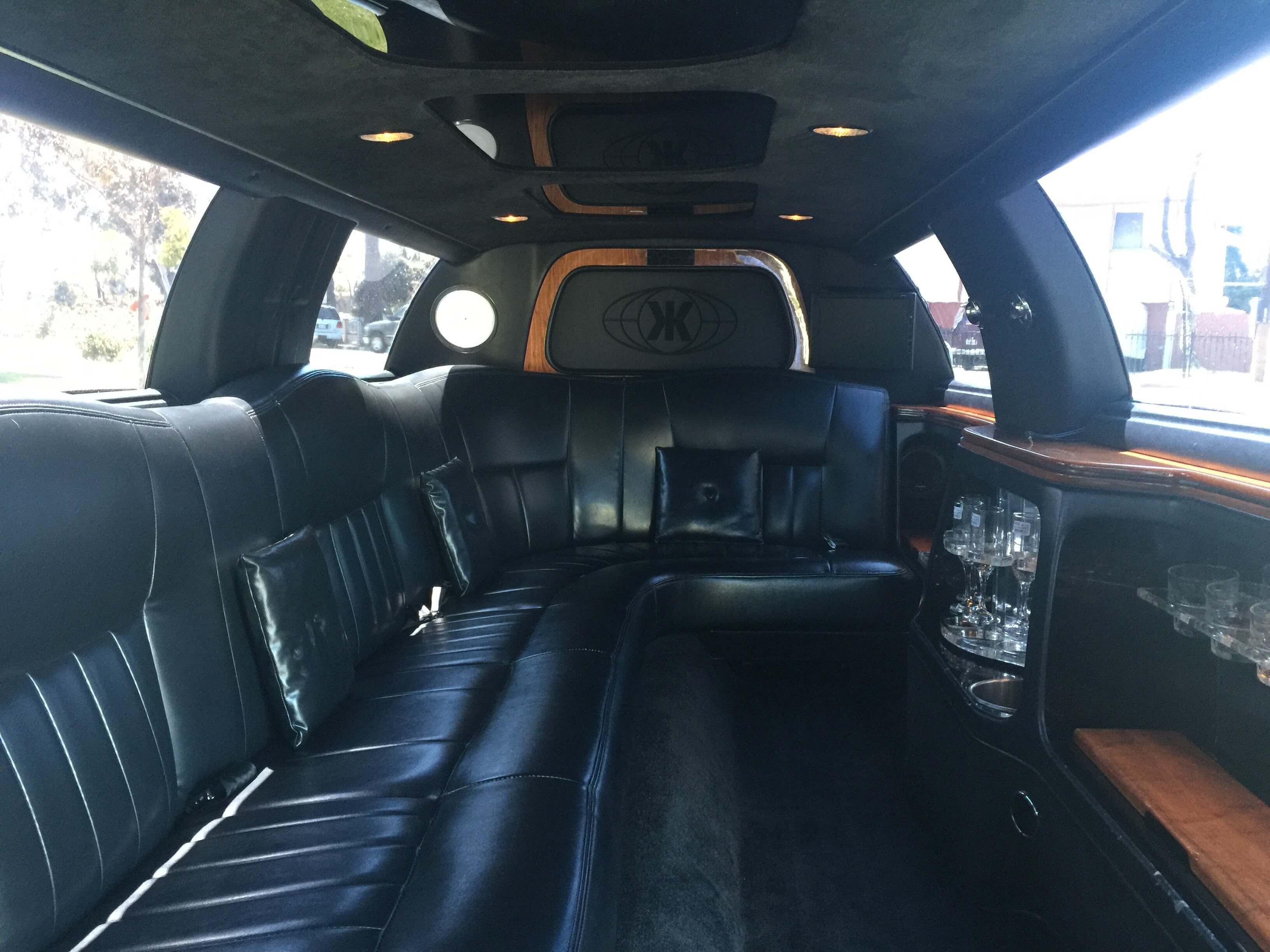 lincoln stretch limo interior. Black Bedroom Furniture Sets. Home Design Ideas